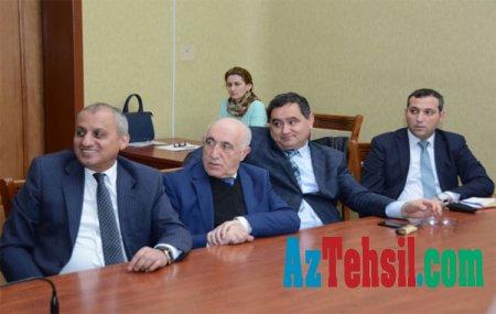 UNEC magistrantları dissertasiyalarını ictimaiyyət nümayəndələri qarşısında müdafiə ediblər