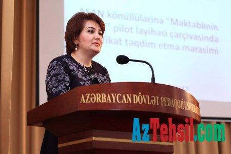 """ADPU-da """"Məktəblinin dostu"""" layihəsinin iştirakçılarına sertifikatlar verilib"""