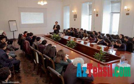 """Qərb Universitetində """"İdarəetmə etikası"""" mövzusunda seminar keçirildi"""