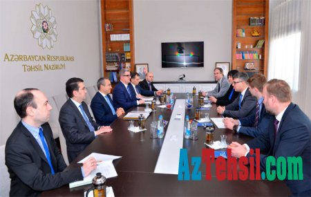 Təhsil naziri Estoniya Respublikasının dövlət idarəçilik naziri ilə görüşüb