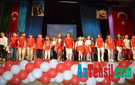 Bakı Atatürk Liseyi uşaqlar üçün möhtəşəm bayram şənliyi təşkil etdi - FOTOLAR