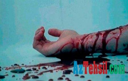 Azərbaycanda müəllim damarlarını kəsib intihar etdi