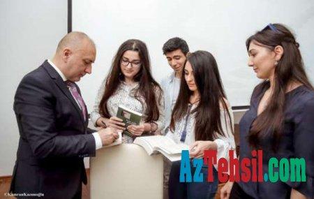 Tanınmış yazıçı Varis Yolçiyev Qərb Universitetin filoloq tələbələrinə seminar keçib