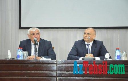 ADU-nun rektoru könüllü tələbələrlə görüşüb +Fotolar