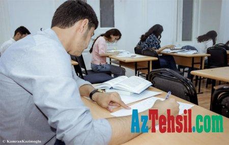 """Qərb Universitetinin tələbələri """"Açıq kitab"""" üsulu ilə imtahan veriblər +FOTOLAR"""