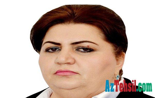 """Bakıda məktəb rəhbəri jurnalisti hədələdi: """"Sənin başın bədəninə ağırlıq edir!"""" - SƏS YAZISI"""