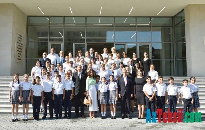 Prezident 20 nömrəli məktəbin açılışında iştirak edib