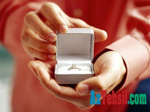 Azərbaycanın daha bir universitetində  evlilik təklifi - VİDEO