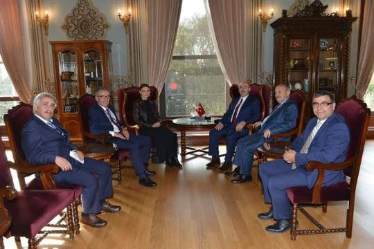 Qənirə Paşayeva İstanbul universitetinin rektoru ilə Qarabağdan danışdı