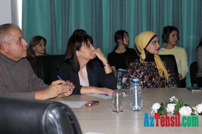 MEK-də professor Aleksandr Umnyaşkinin kitab kolleksiyasının təqdimatı keçirilib