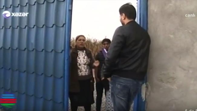 Zaur Kamal 7-ci sinif şagirdinə elçi getdi - Qızı vermələri üçün dil tökdü- VİDEO