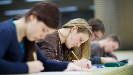 Kollecdən sonra ali məktəbdə oxuyanlar üçün təhsil müddəti azala bilər