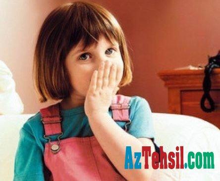 Kəkələyən uşaqlarda hansı qüsurlar olur?