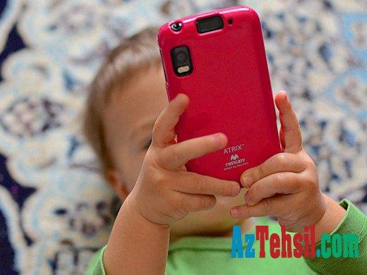 Smartfonlar uşaqlarda nitq gecikmələrinə səbəb olur