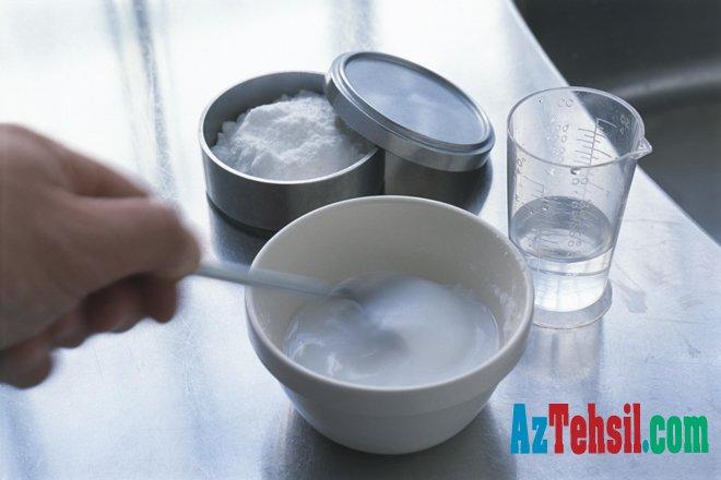 Yeməkdən bir saat əvvəl için - Sodalı suyun FAYDALARI