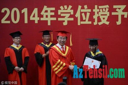 76 yaşlı kişi magistr təhsili almaq üçün imtahan verib