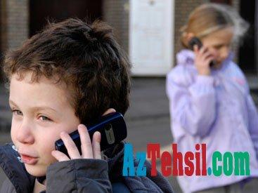 Uşaqları planşet, kompüter, mobil telefondan uzaq tutun - Həkim məsləhəti