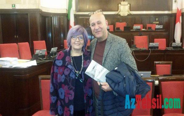 İtalyalı qadın Xocalıdan kitab yazdı - FOTOLAR