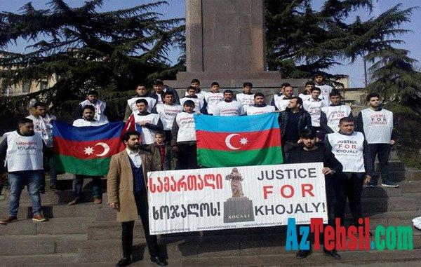 Azərbaycanlı tələbələr Tiflisdə aksiya keçirdi - FOTO