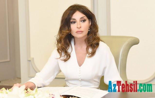 Mehriban Əliyeva məktəbli Zəhra Salmanlıya hədiyyə göndərdi
