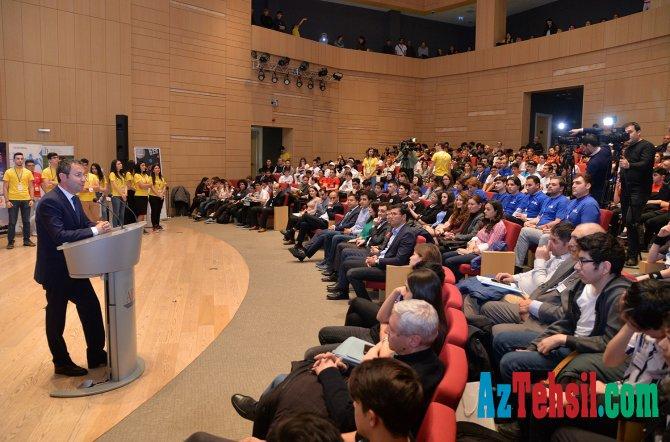 Mühəndislik və robot texnologiyaları üzrə beynəlxalq olimpiada keçirilib