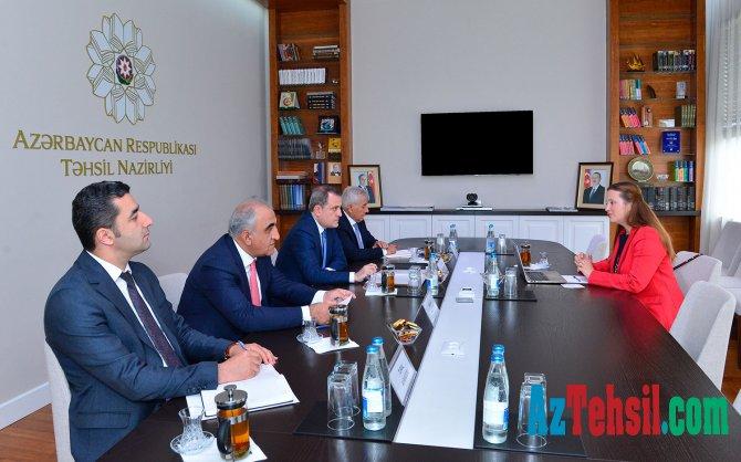 """Təhsil naziri """"QS"""" beynəlxalq reytinq təşkilatının regional direktoru ilə görüşüb"""