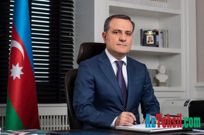 Təhsil naziri AMEA-nın bir qrup əməkdaşını təltif