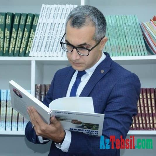Tanınmış təhsil eksperti Azərbaycanı tərk etdi