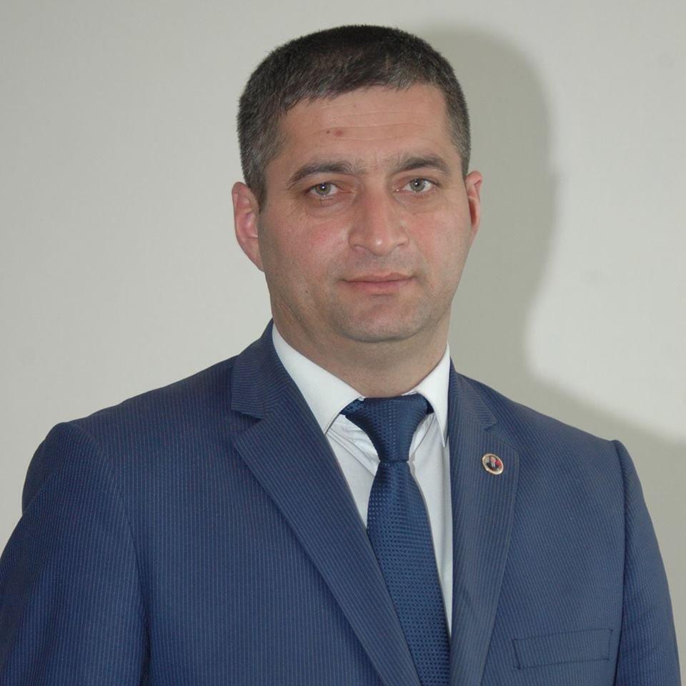 """Elşən Qafarov: """"Yeni sistem təhsilə heç nə verməyəcək"""""""