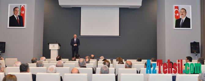 Nazir müavini Firudin Qurbanov prorektorlarla görüşüb