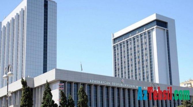 """Parlamentin plenar iclasında """"Təhsil haqqında"""" qanuna dəyişikliklər müzakirəyə çıxarılacaq"""
