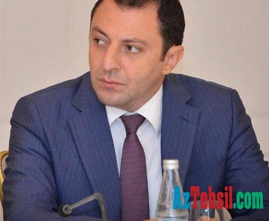 """Elnur Məmmədov: """"Virtual məktəb"""" portalında bir gün ərzində 36 min şagird qeydiyyatdan keçib"""
