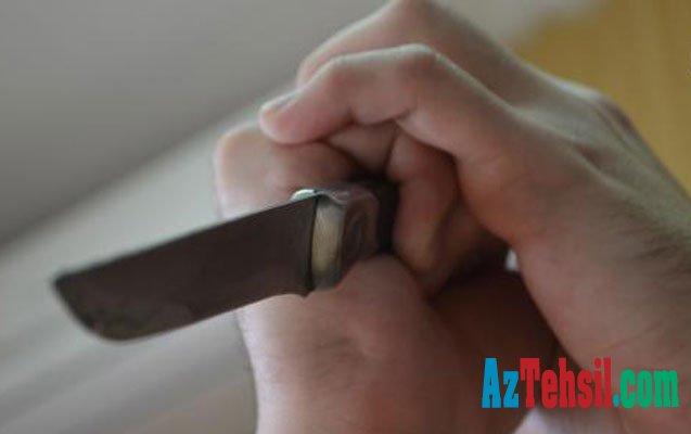 Yeddi yaşlı uşaq  atasını bıçaqladı