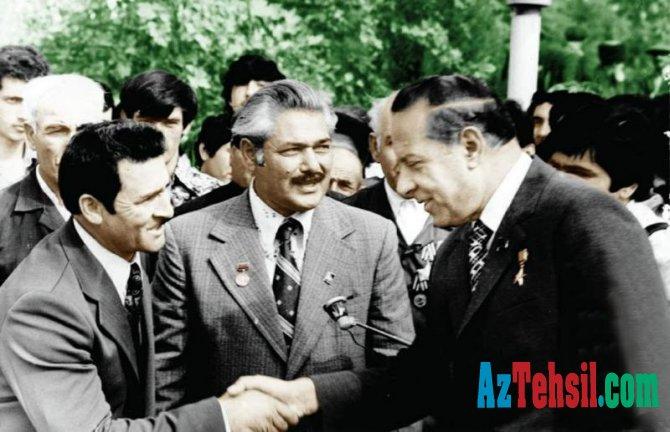 Ulu öndər Heydər Əliyevlə görüşən kənd müəllimi