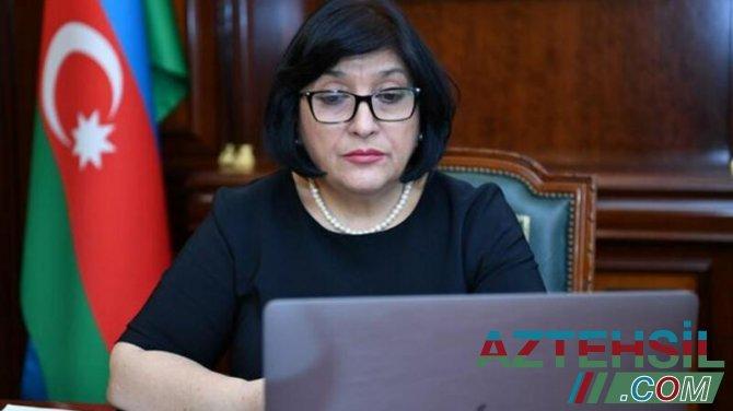 Sahibə Qafarova Şəmkirdən yüksək nəticə əldə etmiş abituriyentlərlə videokonfrans formatında görüşüb