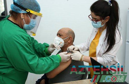 Azərbaycanlı həkim vaksinasiyadan qorxanlara müraciət etdi