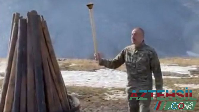 Prezident Cıdır düzündə Novruz tonqalı yandırdı
