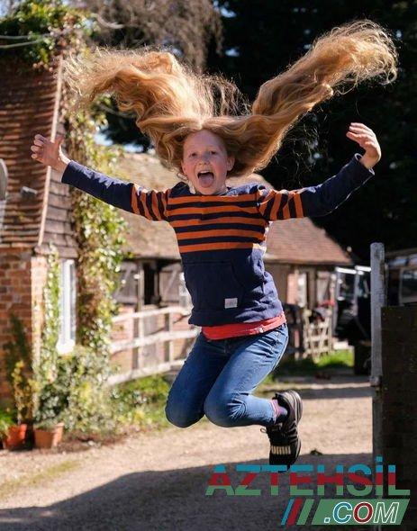 12 yaşlı məktəbli xəstə uşaqlara yardım etmək üçün saçlarını uzatdı – FOTO