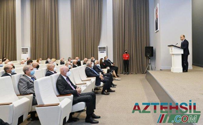 UNEC əməkdaşlarına dövlət təltifləri təqdim edilib