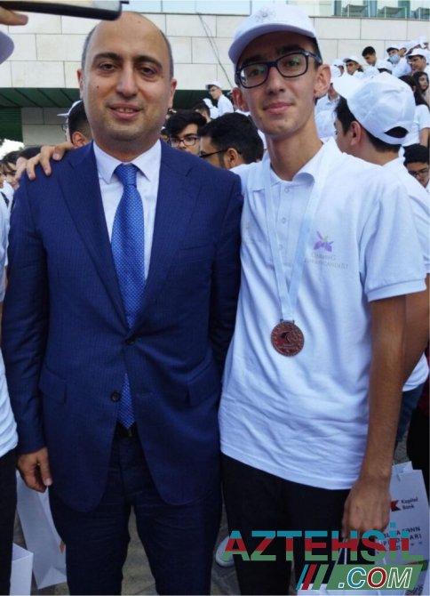Bərdə məktəbinin yetirməsi fənn olimpiadalarının dəfələrlə qalibi olmuş Hüseyn Babayev Tibb Universtitetinin tələbəsi oldu