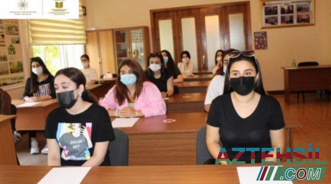 """""""Peşəkar ol"""" layihəsi üzrə seminarlara start verilib"""